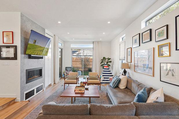 Contemporary Family Room by Imbuia Construction Inc.