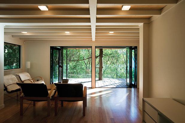 コンテンポラリー ファミリールーム by Strachan Group Architects