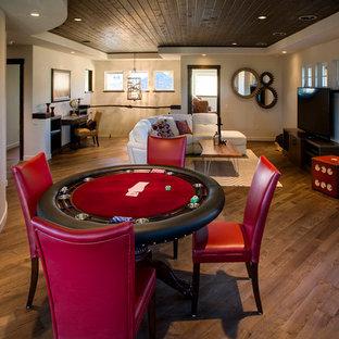 Foto di un soggiorno tradizionale con sala giochi