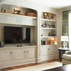 Traditional Family Room by Cheryl Scrymgeour Designs