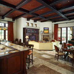 mediterranean family room by Fratantoni Luxury Estates