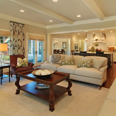 Family Room by Great Neighborhood Homes