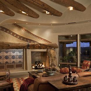 Esempio di un soggiorno stile americano