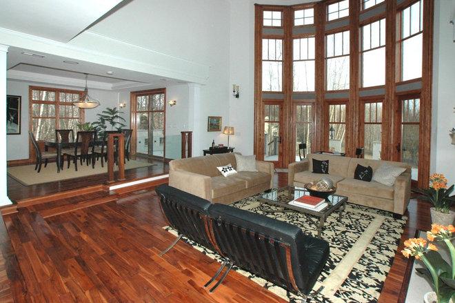 Modern Family Room by Carmel Developments Inc