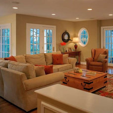 Traditional Family Room by Natelli homes
