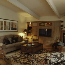 Rustic Family Room by Grisell Navas