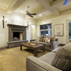 traditional family room by Soledad Builders, LLC