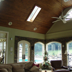 traditional family room by GS Bailey Custom Builders INC.