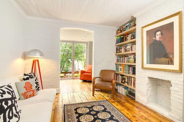 Schmales Wohnzimmer Einrichten Tv Wand Eingebaute Schranke Braun Gelb ...
