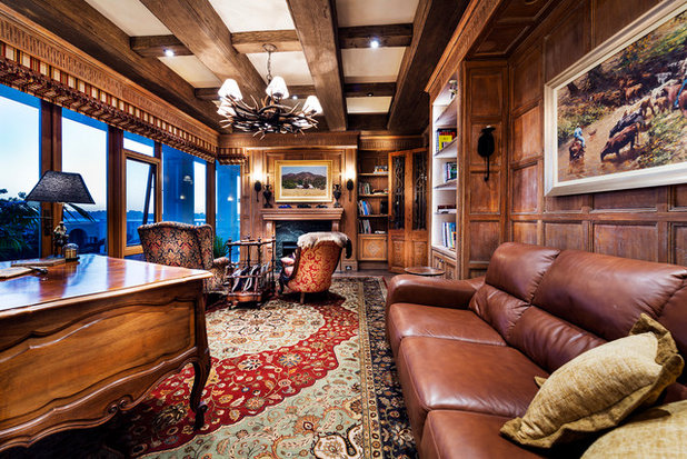 Traditional Family Room by Oswald Homes