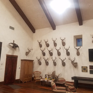 Idee per un piccolo soggiorno stile rurale chiuso con sala giochi