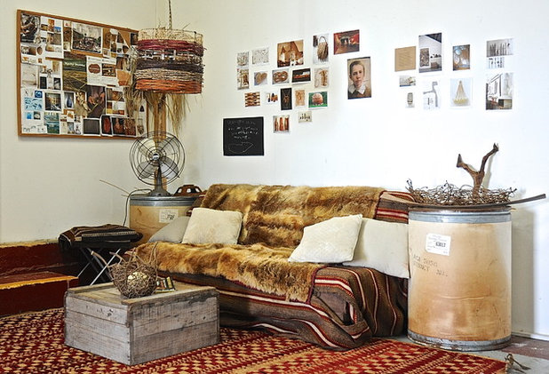 Rustic Family Room by Luci.D Interiors