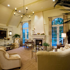Traditional Family Room by Guidi Homes