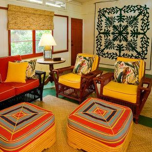 Cette photo montre une salle de séjour exotique.