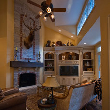 Family Room by Bozich Construction