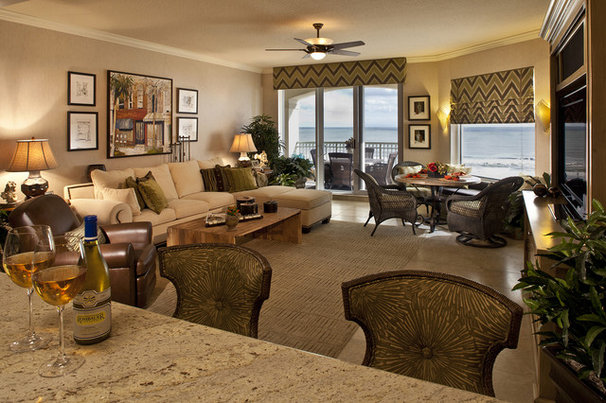 Traditional Family Room by H. Stern Interiors