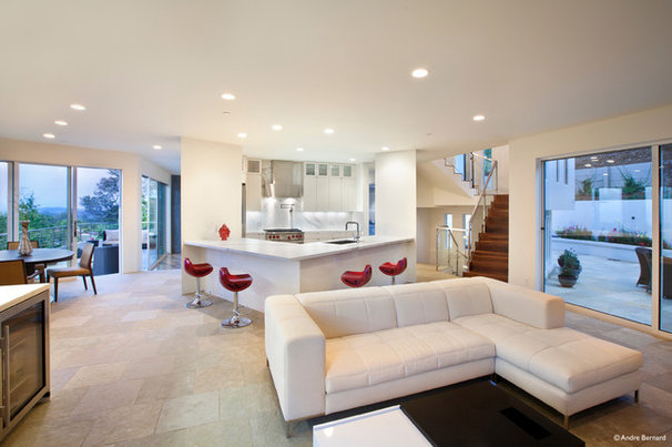 Modern Family Room by DNM Architect