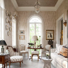 Traditional Family Room by Hann Builders