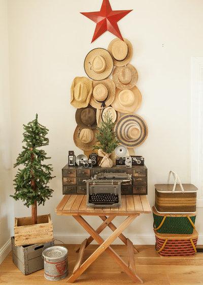 Nórdico Sala de estar by Julie Ranee Photography