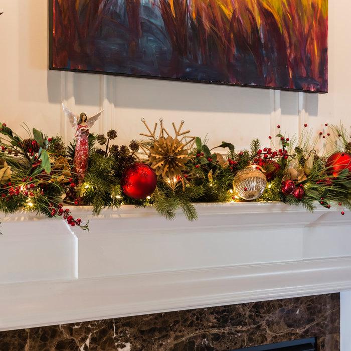Natural & Cheerful Christmas Mantel