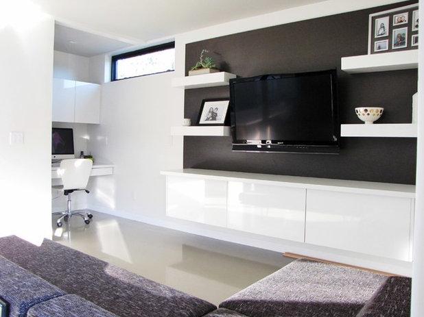 Midcentury Family Room by Tara Bussema