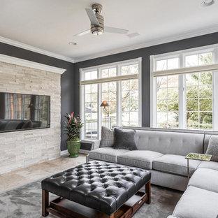 Esempio di un soggiorno classico di medie dimensioni e chiuso con pareti grigie, pavimento in travertino e parete attrezzata