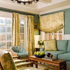 traditional family room by Bernardo Grijalva Photography