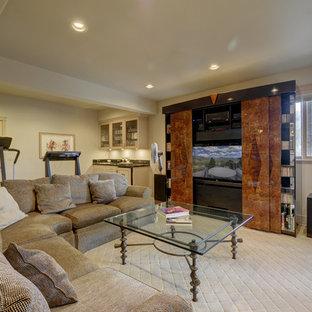 Idee per un grande soggiorno design stile loft con sala della musica, moquette, TV nascosta e pavimento giallo