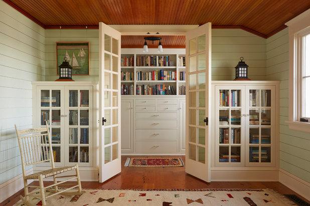 Beach Style Family Room by David Heide Design Studio