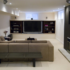 family room by BiglarKinyan Design Partnership Inc.
