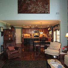 Traditional Family Room Juawanna Schuller