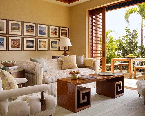 Kolonialstil wohnzimmer mit beiger wandfarbe ideen design for Wohnzimmer kolonialstil