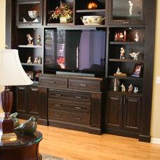 Traditional Family Room by Katherine Kawaguchi