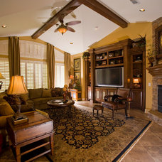 Traditional Family Room by Glamm Interiors