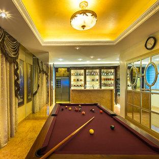 Ejemplo de sala de juegos en casa cerrada, mediterránea, grande, con suelo de mármol