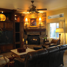 traditional family room kgrahi