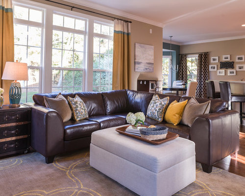 Kid friendly family room houzz for Kid friendly living room designs