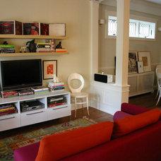 Modern Family Room by Rebekah Zaveloff | KitchenLab
