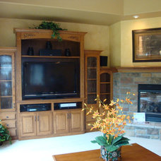 Traditional Family Room by Tom's Cabinets Inc