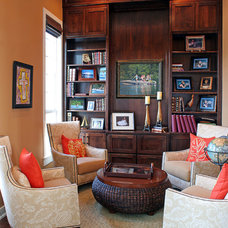 Traditional Family Room by Kiella Homebuilders