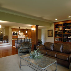 Family Room by Lake Country Builders