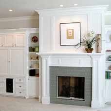 Traditional Family Room by Riverland Homes Inc