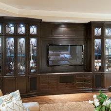 Traditional Family Room by Old World Kitchens & Custom Cabinets