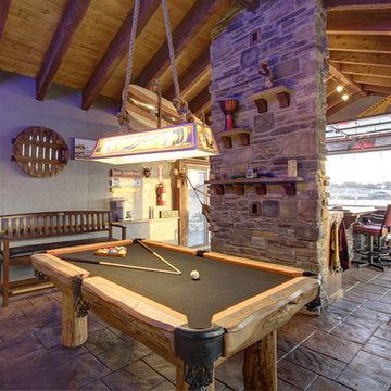 Lakeside Boathouse Bar