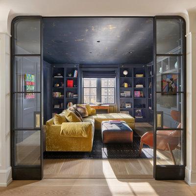 Неоклассика Семейная комната by Rasmussen / Su Architects