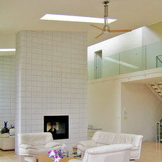 Modern Family Room by kimberly peck architect