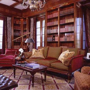 Bild på ett vintage allrum, med ett bibliotek och heltäckningsmatta