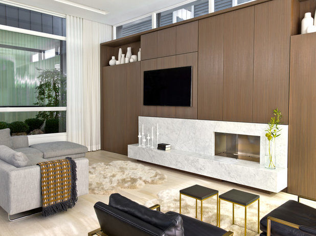 Contemporary Family Room by Searl Lamaster Howe Architects