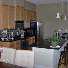 Modern Family Room by TC Williams, LLC