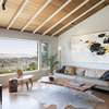 Houzz Tour: Hillside Ranch House Plays Up Its Views